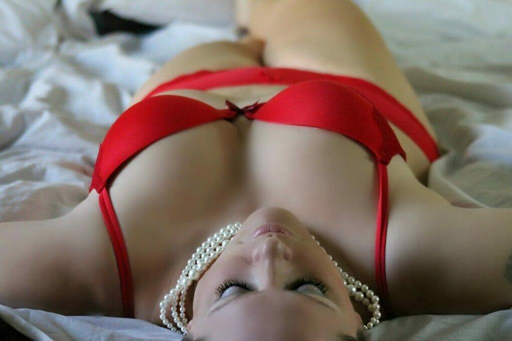 girl with big boobs